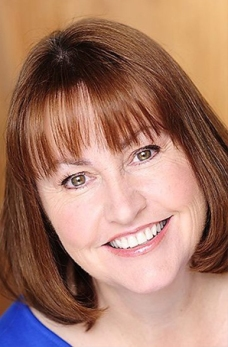 Ann Henderson-Stires as Raelene