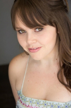 Ashley Walter as Lauren
