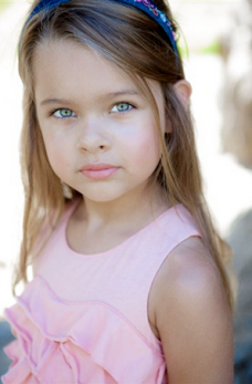 Sofia Mali as Young Liz