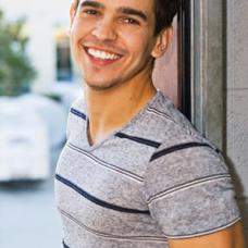 Vinicios Silva as Beach Babe
